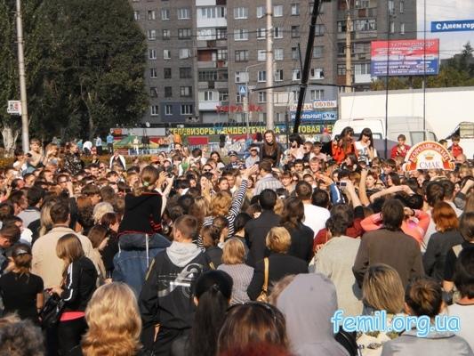 Караоке на Майдане в Алчевске
