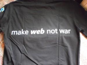 Вид футболки сзади