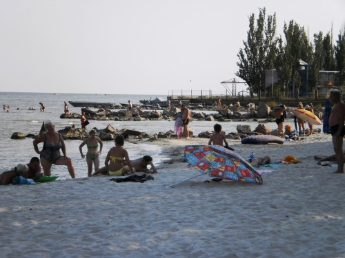Пляж возле базы отдыха Парус в Седово