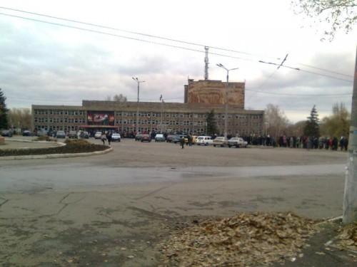 Очередь на голосование, Алчевск