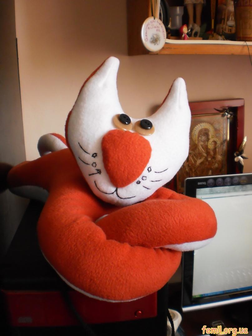Игрушка кот, сделанная своими руками