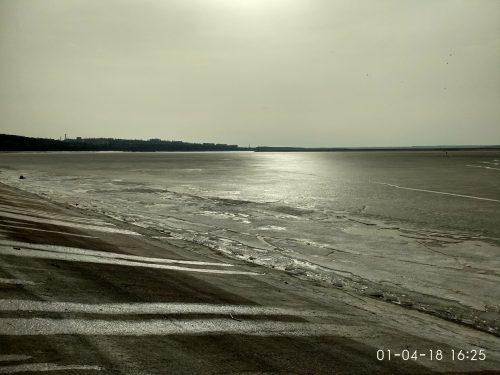 Тающий лед на реке Днепр