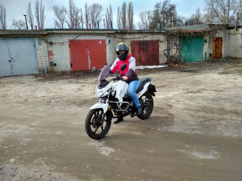 Femil на мотоцикле