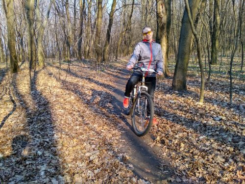 Femil на велосипеде