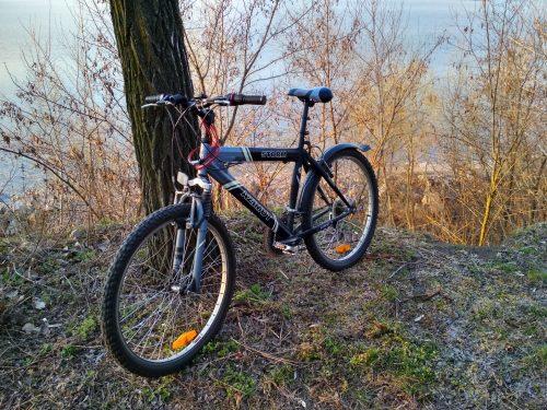 Велосипед на берегу Днепра