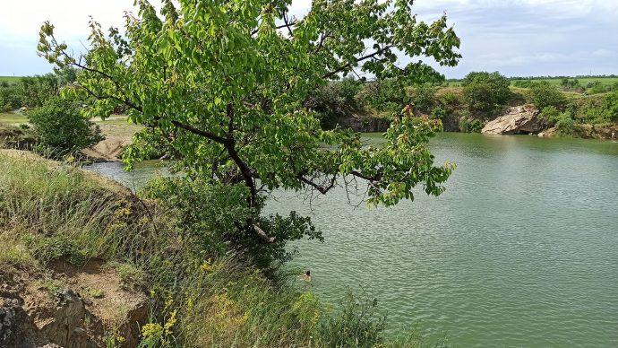 Серебренное озеро Скала